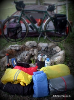 Picture of touring bike with camping gear for bike touring